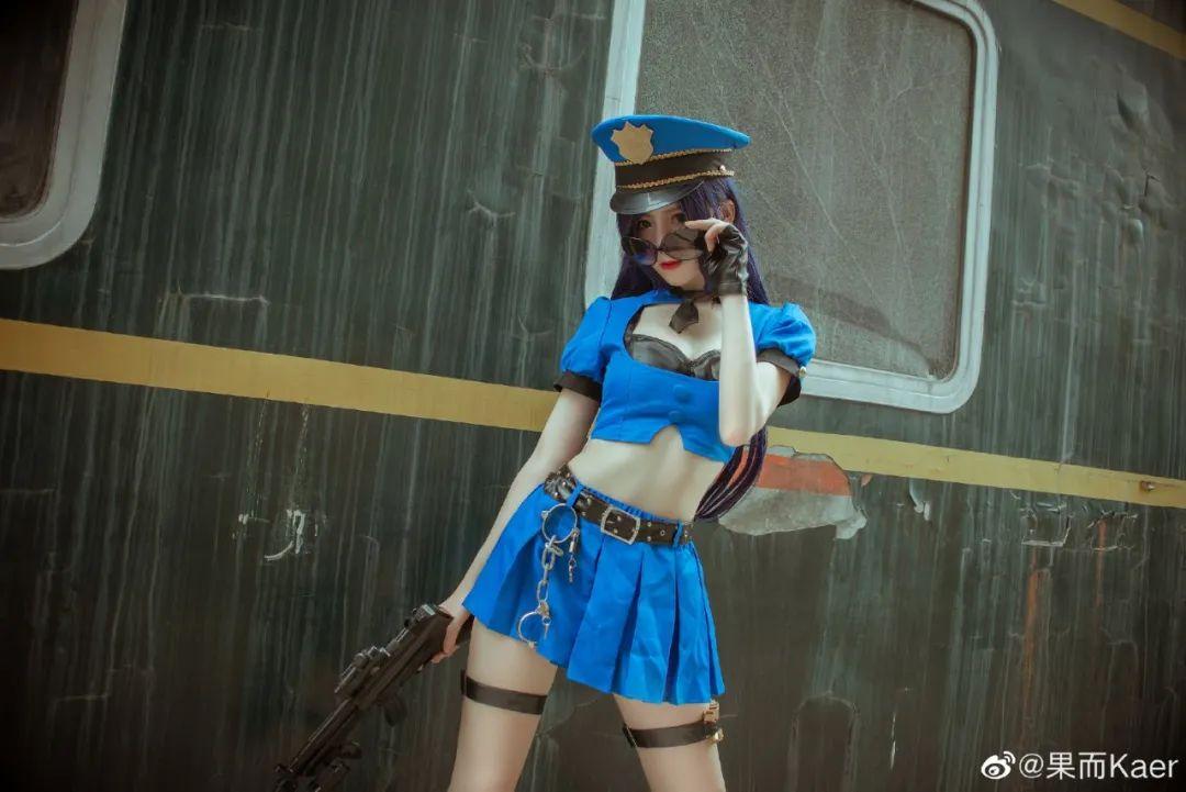 《英雄联盟》女警